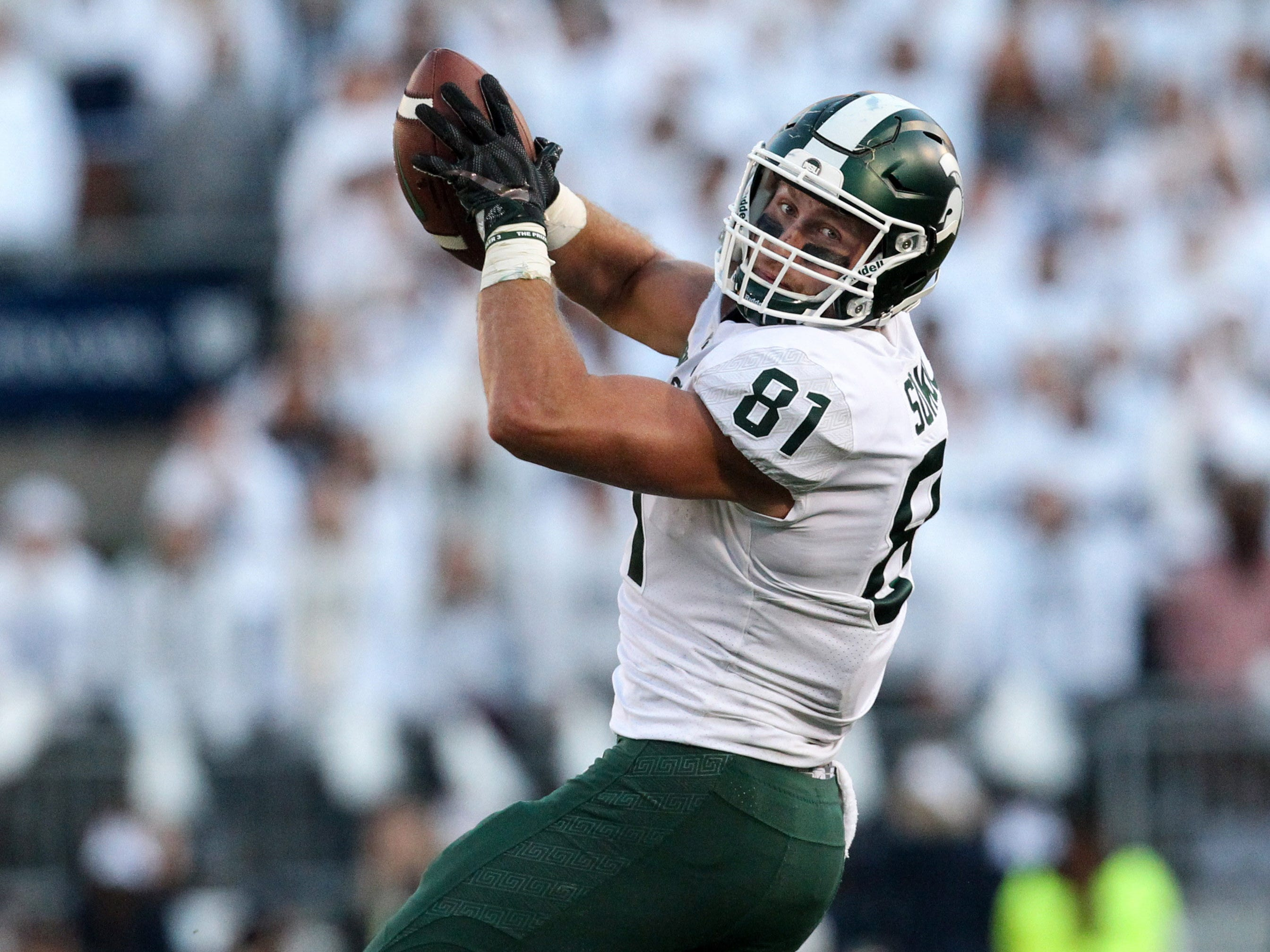 Michigan State Spartans tight end Matt Sokol (81) makes a catch during the third quarter against the Penn State Nittany Lions at Beaver Stadium. Michigan State defeated Penn State 21-17.
