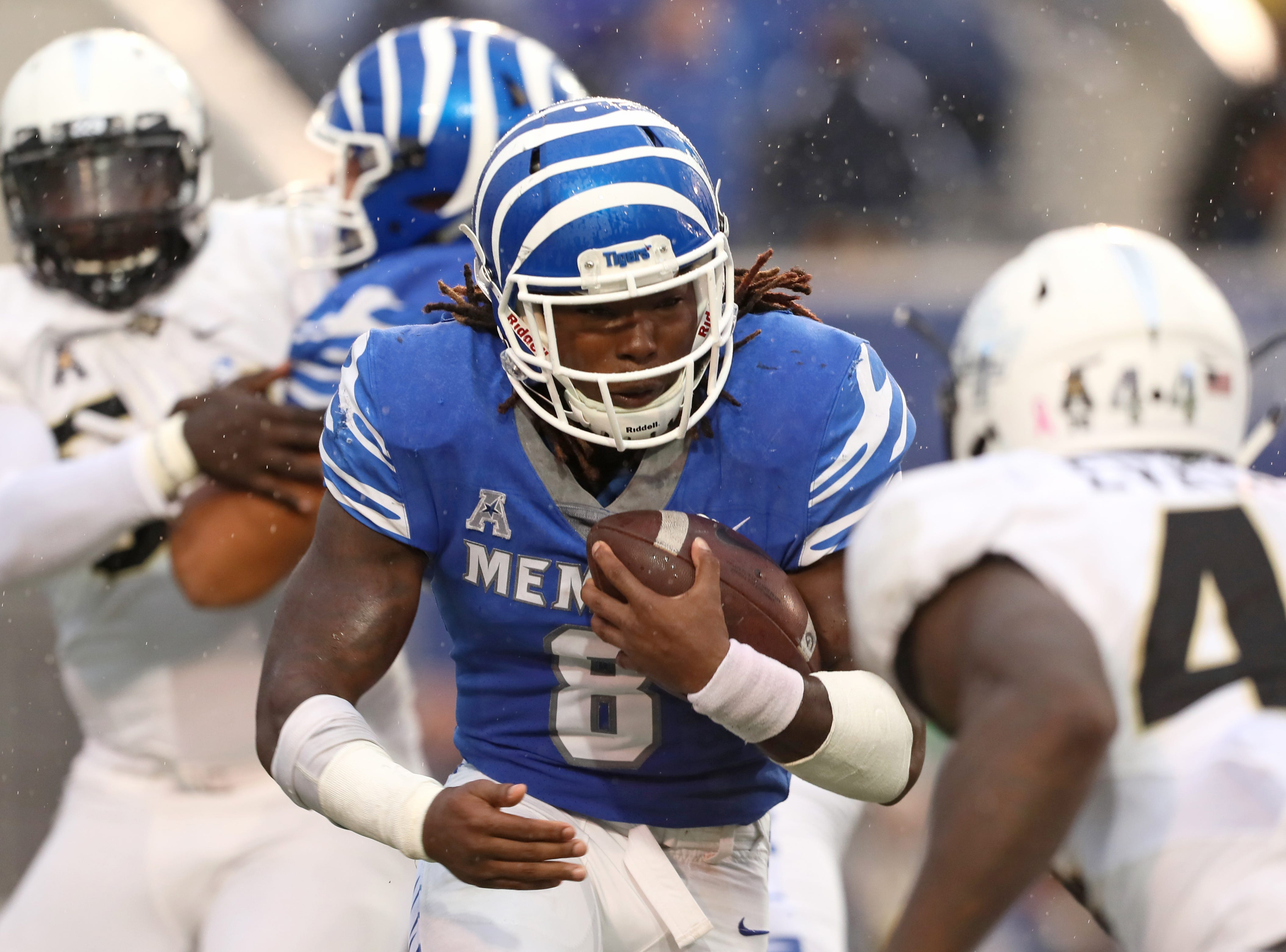 Memphis running back Darrell Henderson runs the ball against UCF during their game at the Liberty Bowl in Memphis, Tenn., Saturday, October 13, 2018.