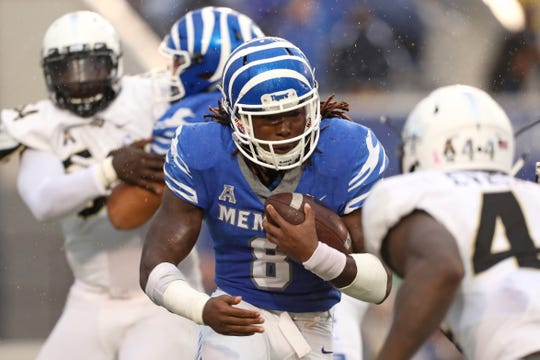 Memphis running back Darrell Henderson runs the ball against UCF during their  game at the Liberty 027fef50a