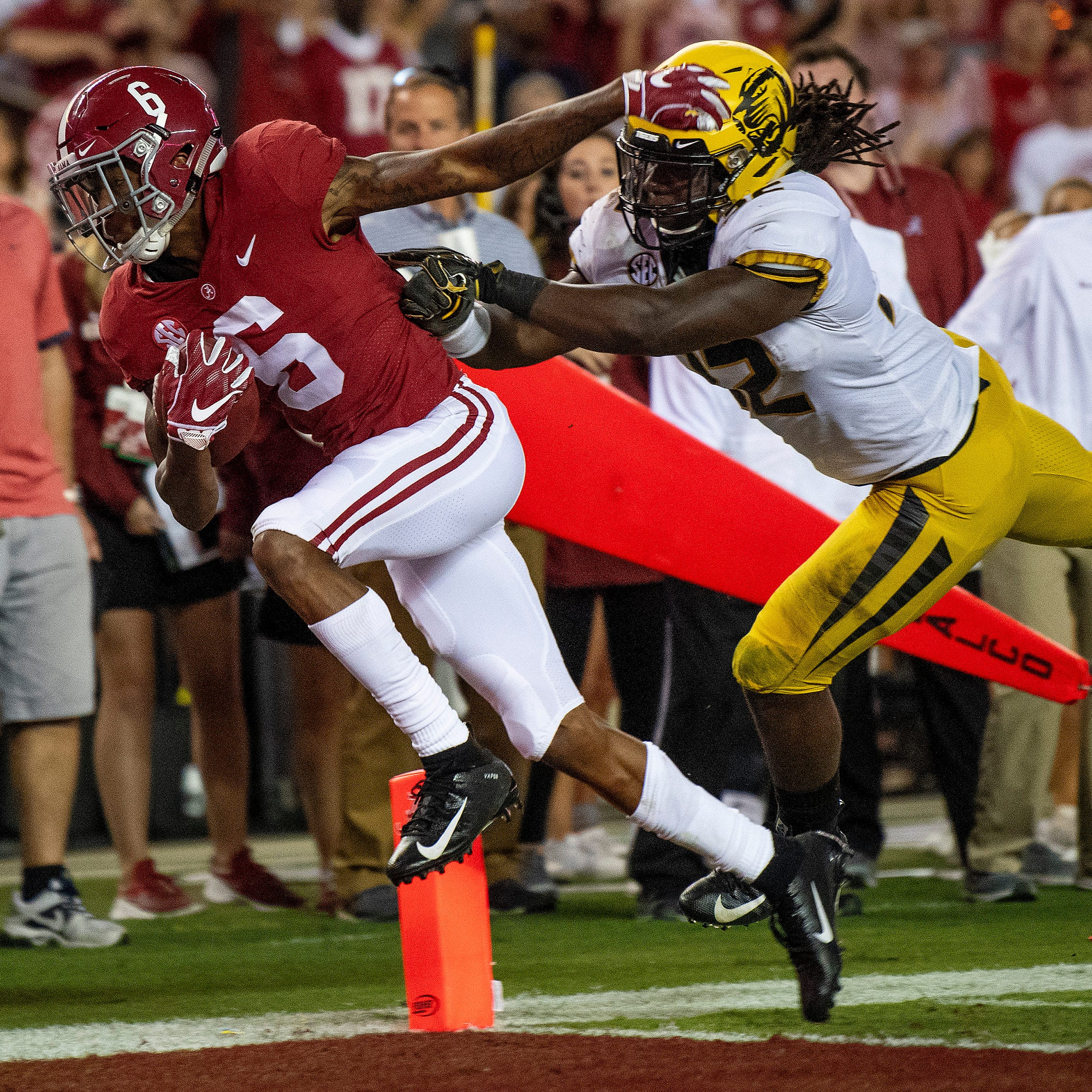 Alabama wide receivers Smith, Ruggs suffer injuries against Mizzou
