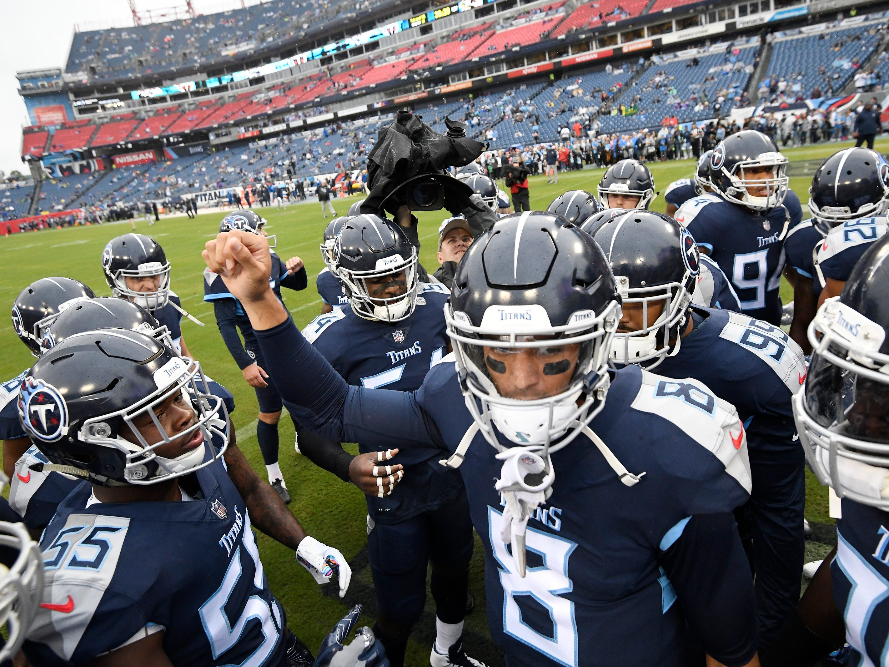 Titans quarterback Marcus Mariota (8) leads the huddle before the game against the Ravens at Nissan Stadium Sunday, Oct. 14, 2018, in Nashville, Tenn.