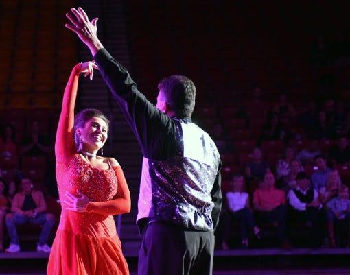 1013 Fea Dancing 18