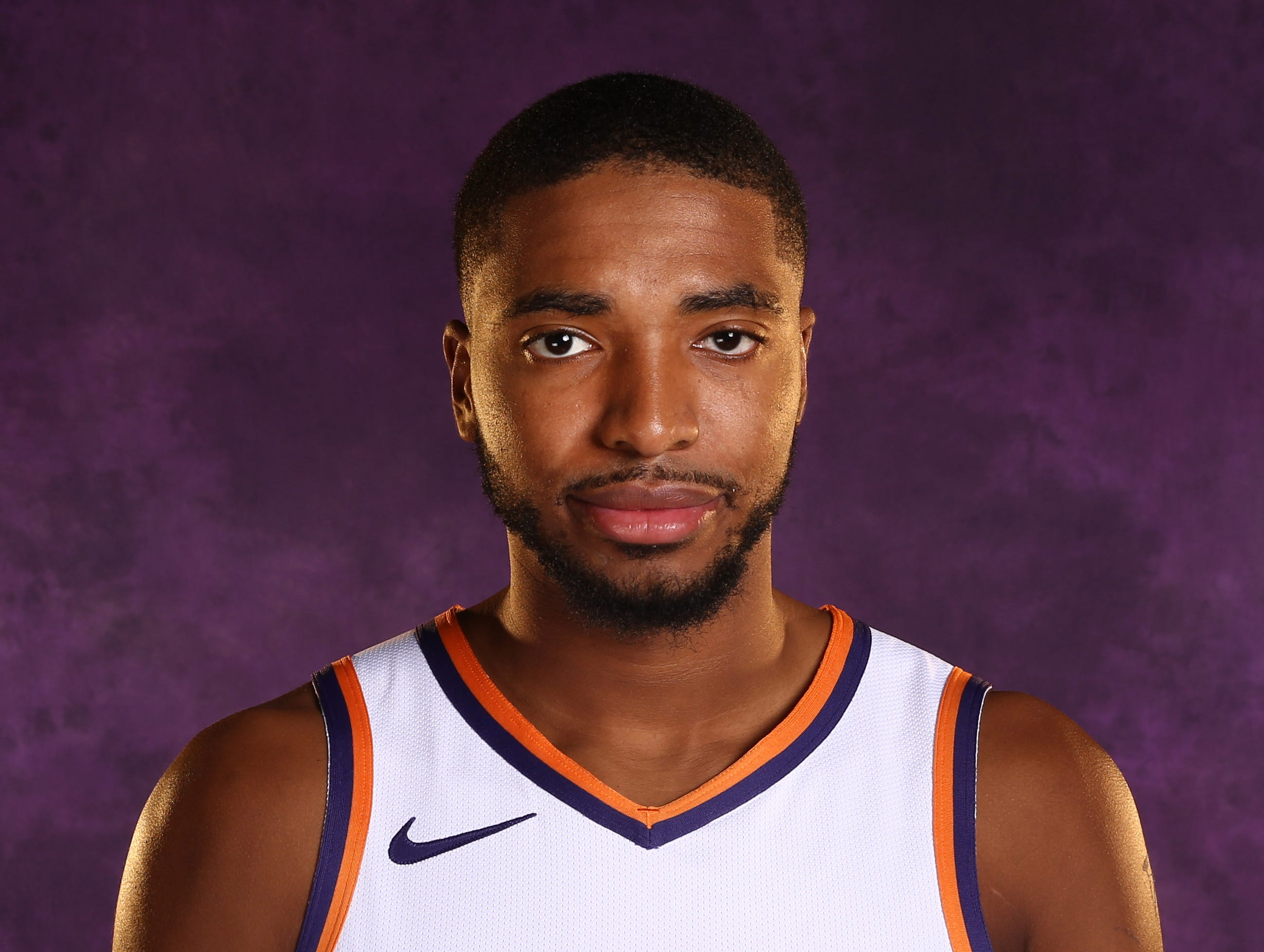 Mikal Bridges || Position: Forward || Height/Weight: 6-7, 210