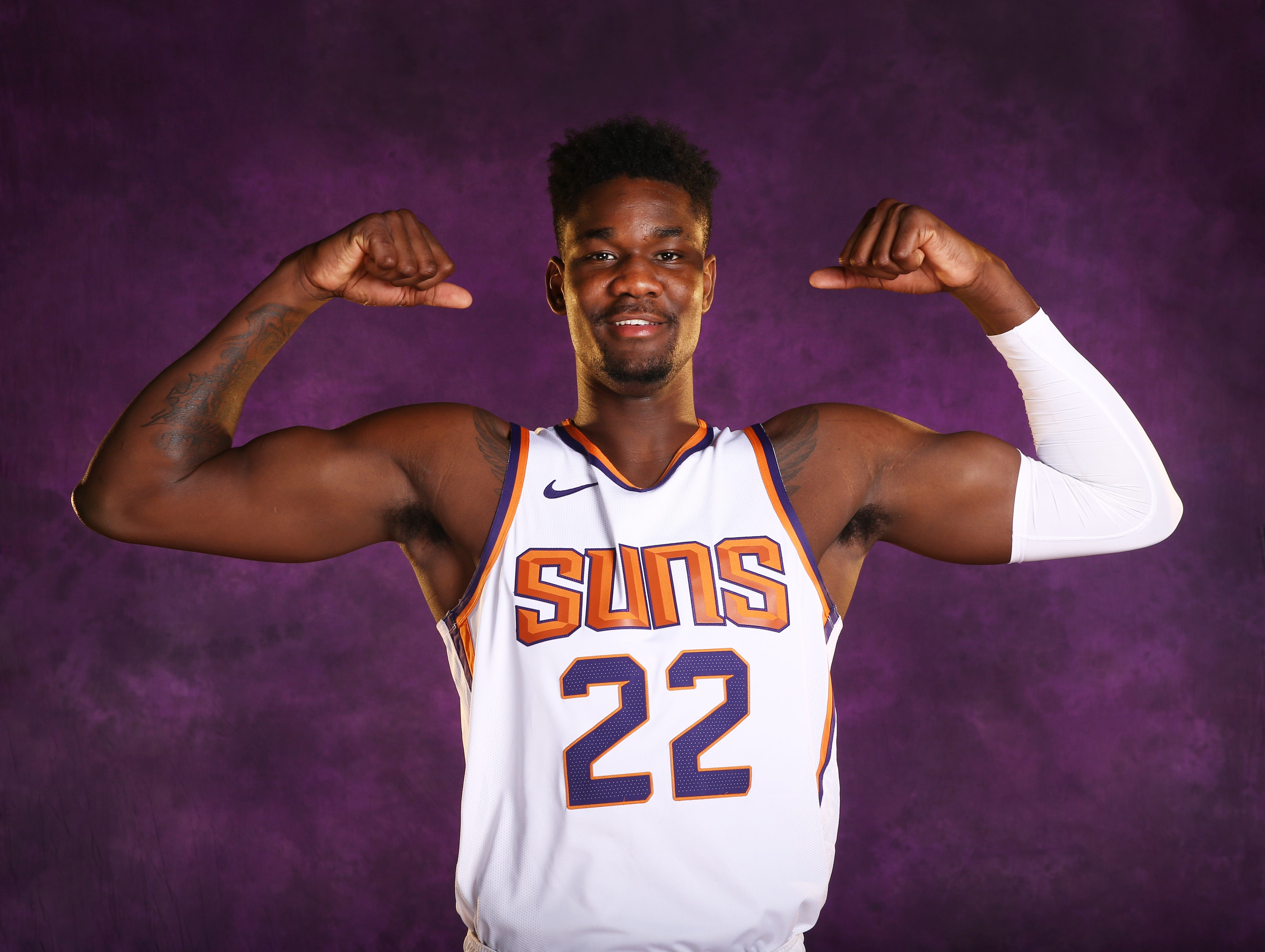 Deandre Ayton || Position: Center || Height/Weight: 7-1, 250