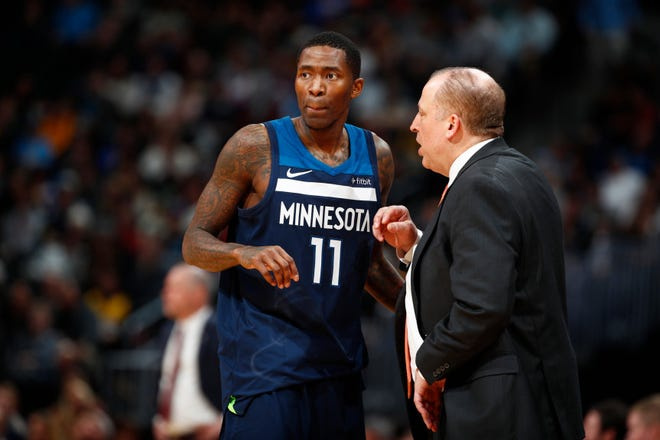 Jamal Crawford (11) and Tom Thibodeau in the second half of an NBA basketball game Wednesday, Dec. 20, 2017, in Denver.