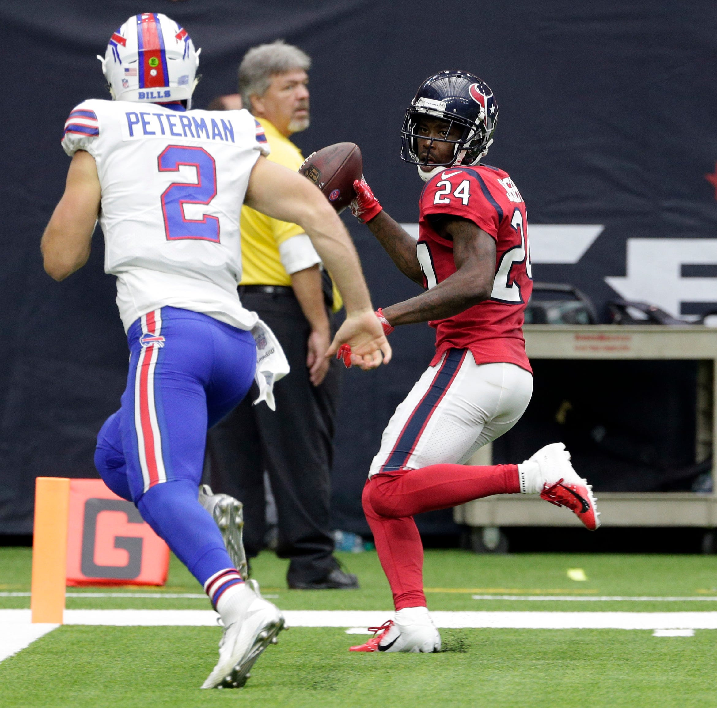 Bills defense can't overcome another awful offensive day in loss to Texans