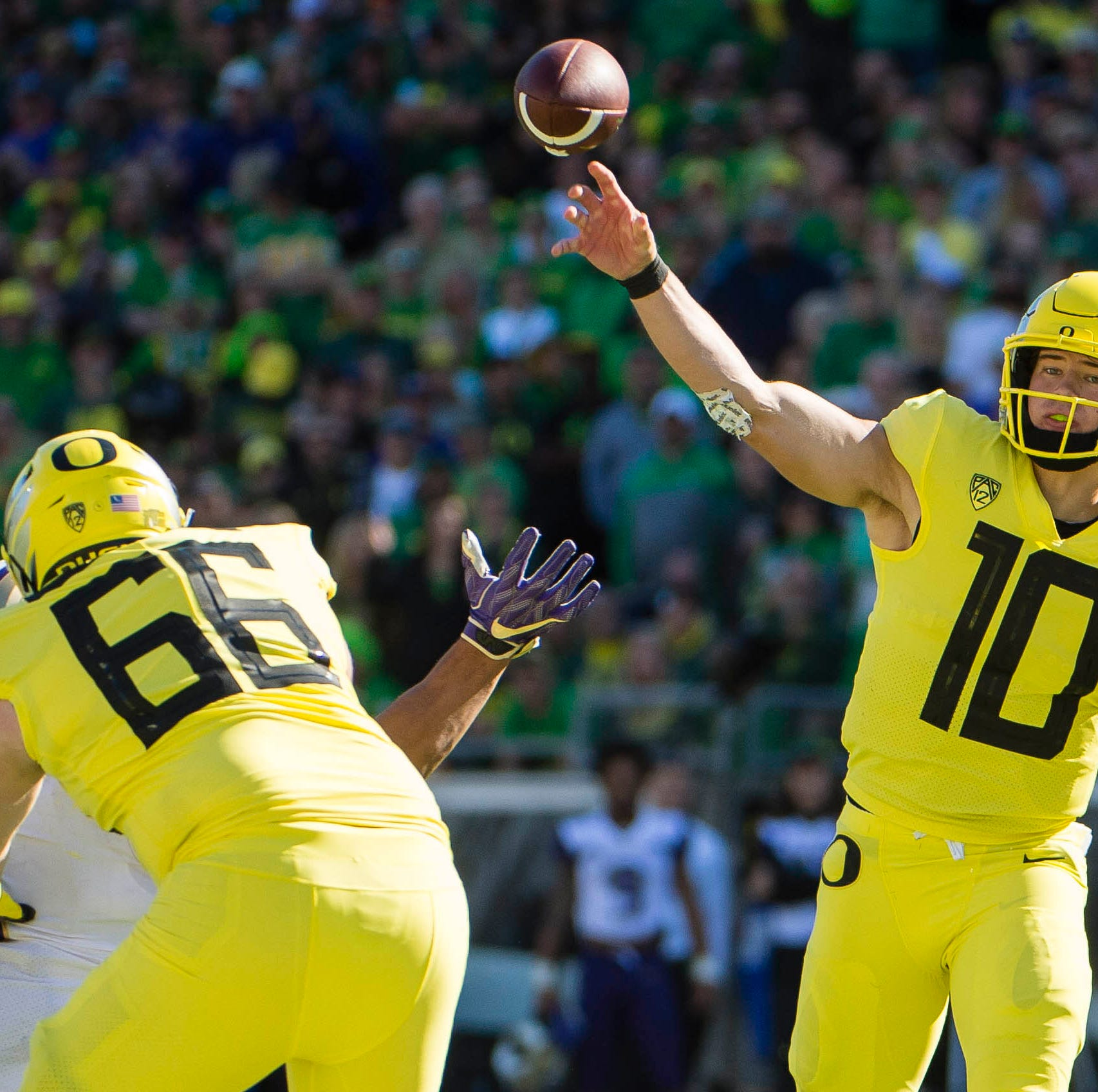 Oregon Ducks upset Washington Huskies in overtime