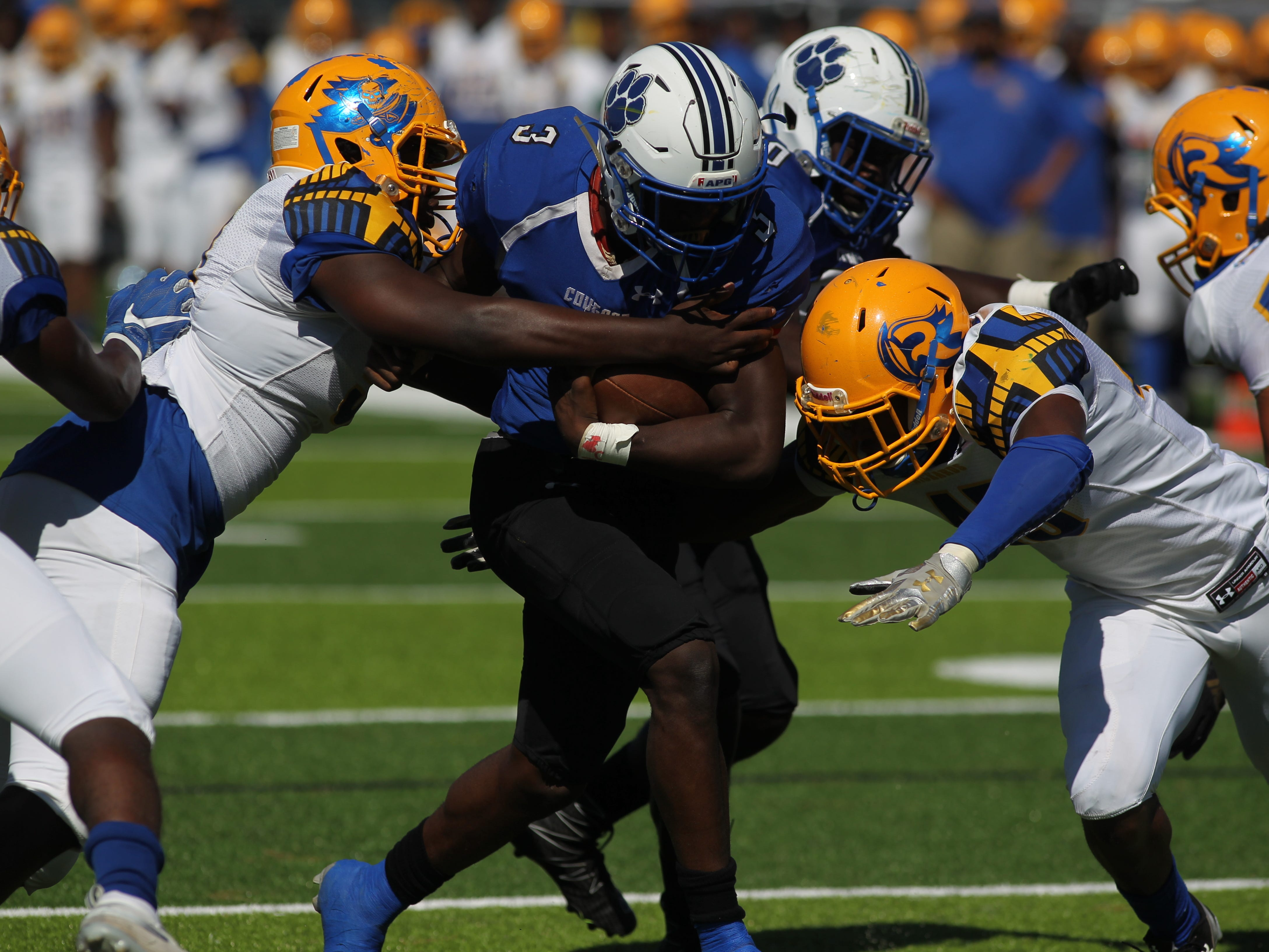 Godby running back Jaquez Yant runs in a 2-yard touchdown against Rickards.