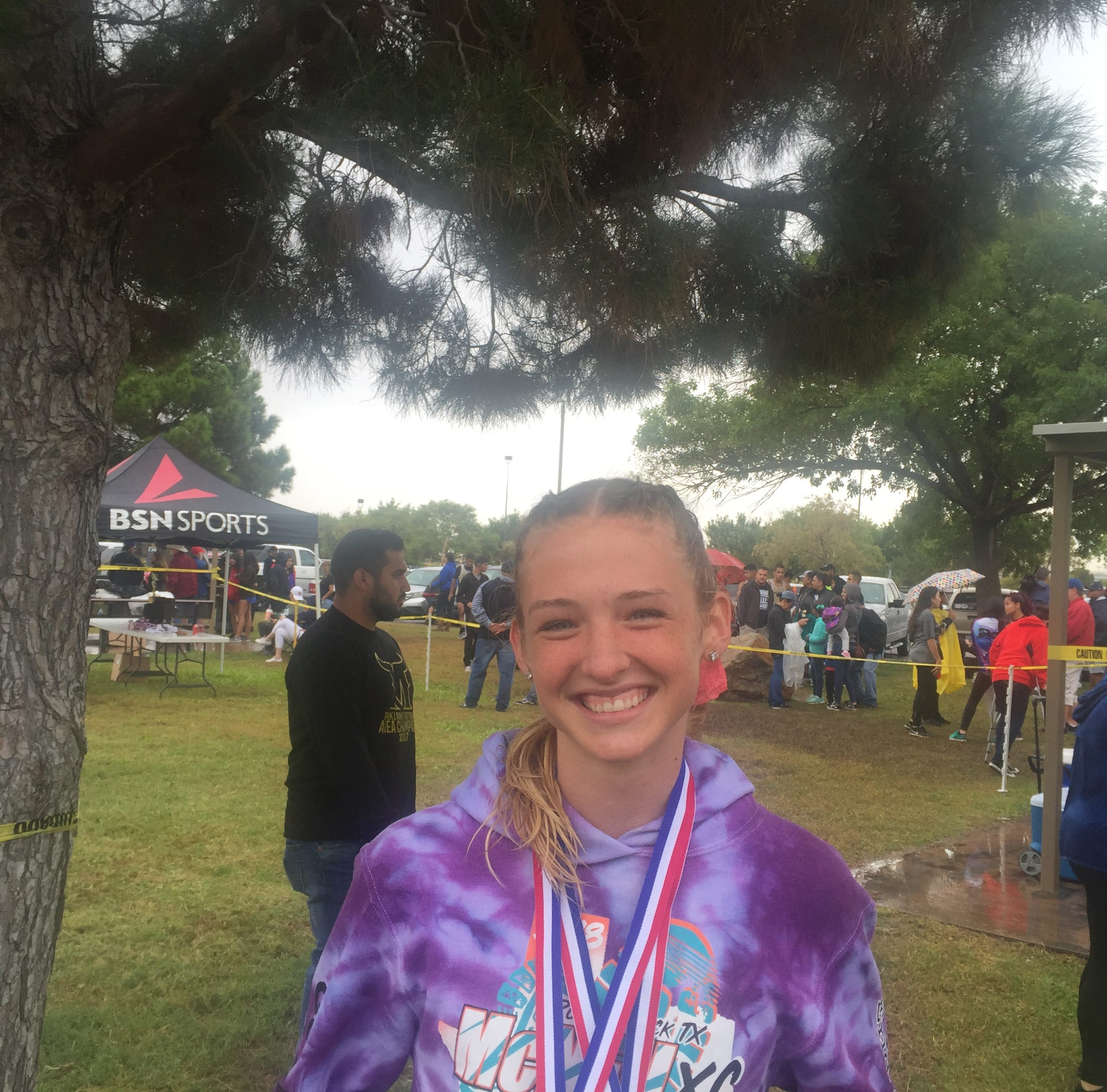 Americas runner Lauren Anderson overcomes loss of father to qualify for regionals