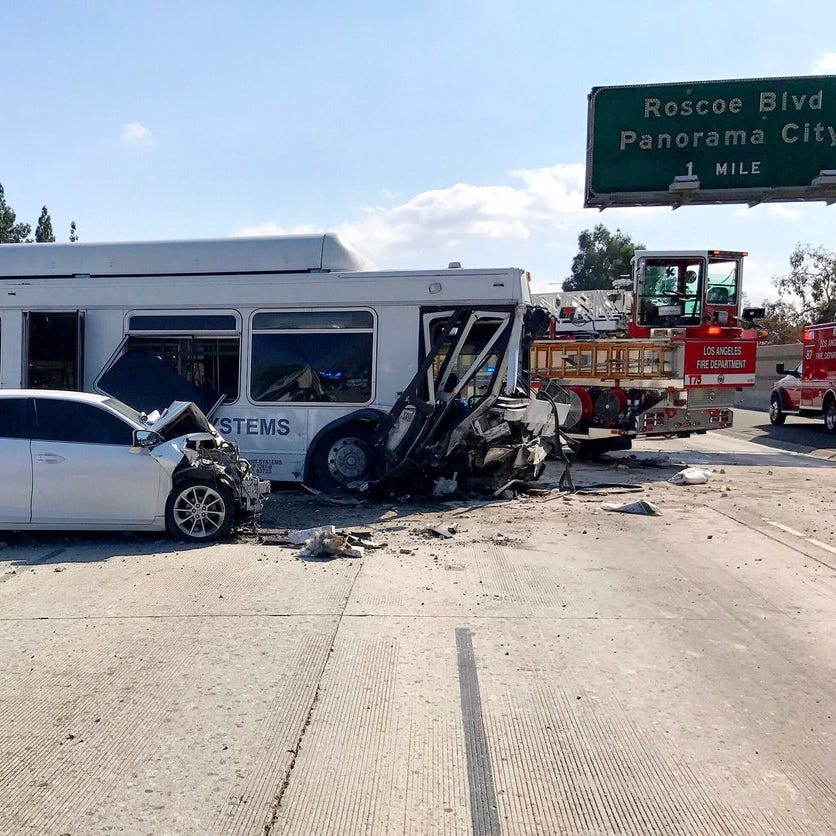 Bus crash on I-405 impacting traffic on Highway 118 east of Ventura County