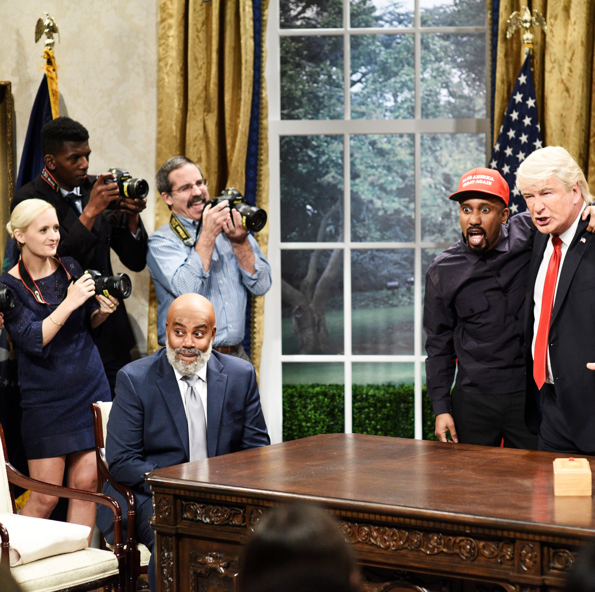 """Seth Meyers"" Episode 1749 -- Pictured: (l-r) Kenan Thompson as Jim Brown, Chris Redd as Kanye West, Alec Baldwin as President Donald Trump during ""Kanye Trump Cold Open"" in Studio 8H on Saturday, October 13, 2018"