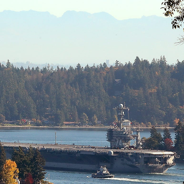 Last Stennis departure from Bremerton a low-key affair