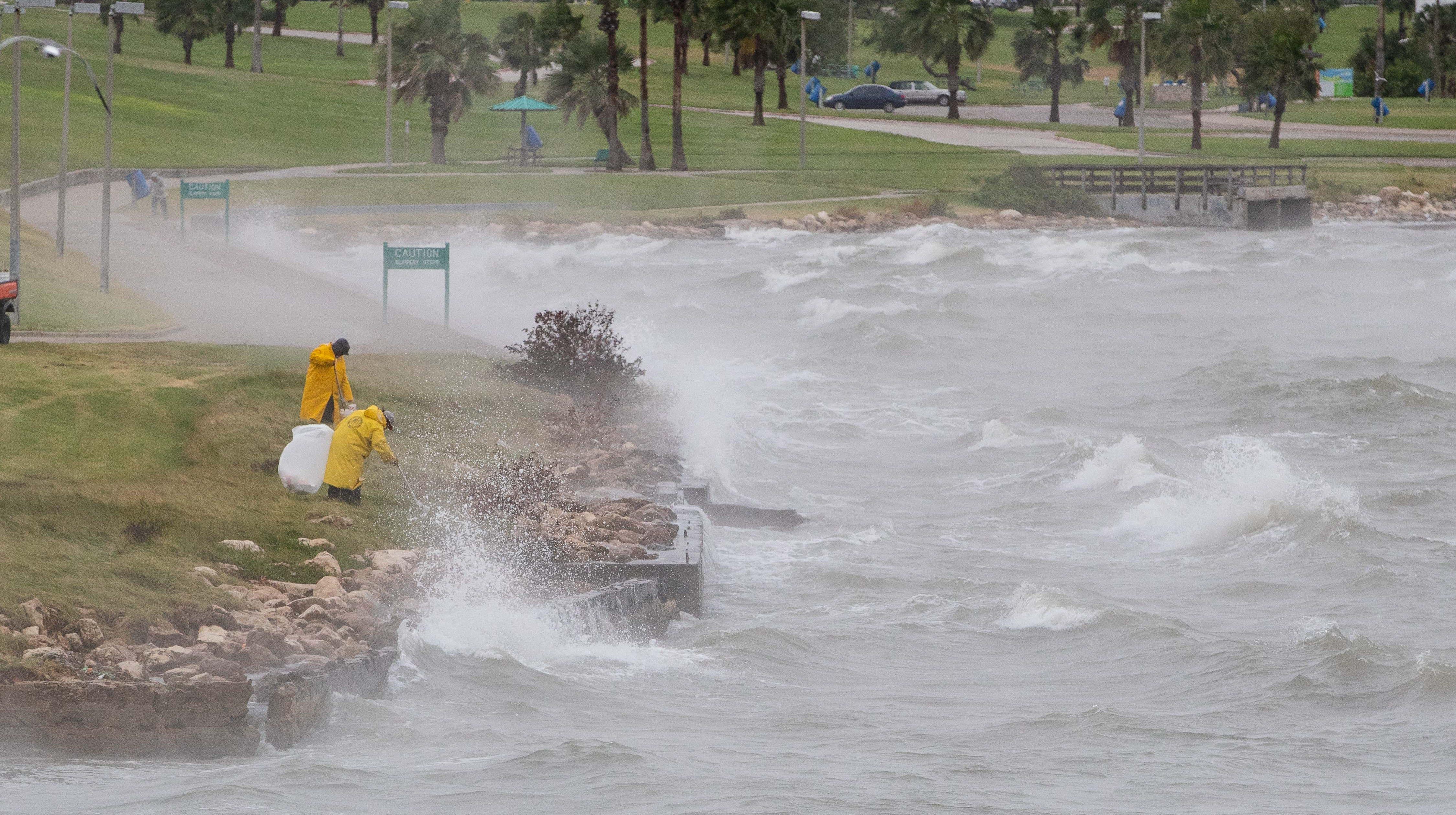 Rain prompts flood warning for San Patricio, Jim Wells, Nueces counties