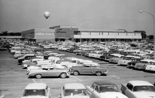 Sears has grown to more than 700 stores, like this one in Lincoln Park. Picture dated late 50s early 60s.