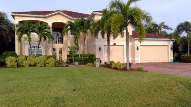 CAPE CORAL REAL ESTATE: Grand home shows size does matter