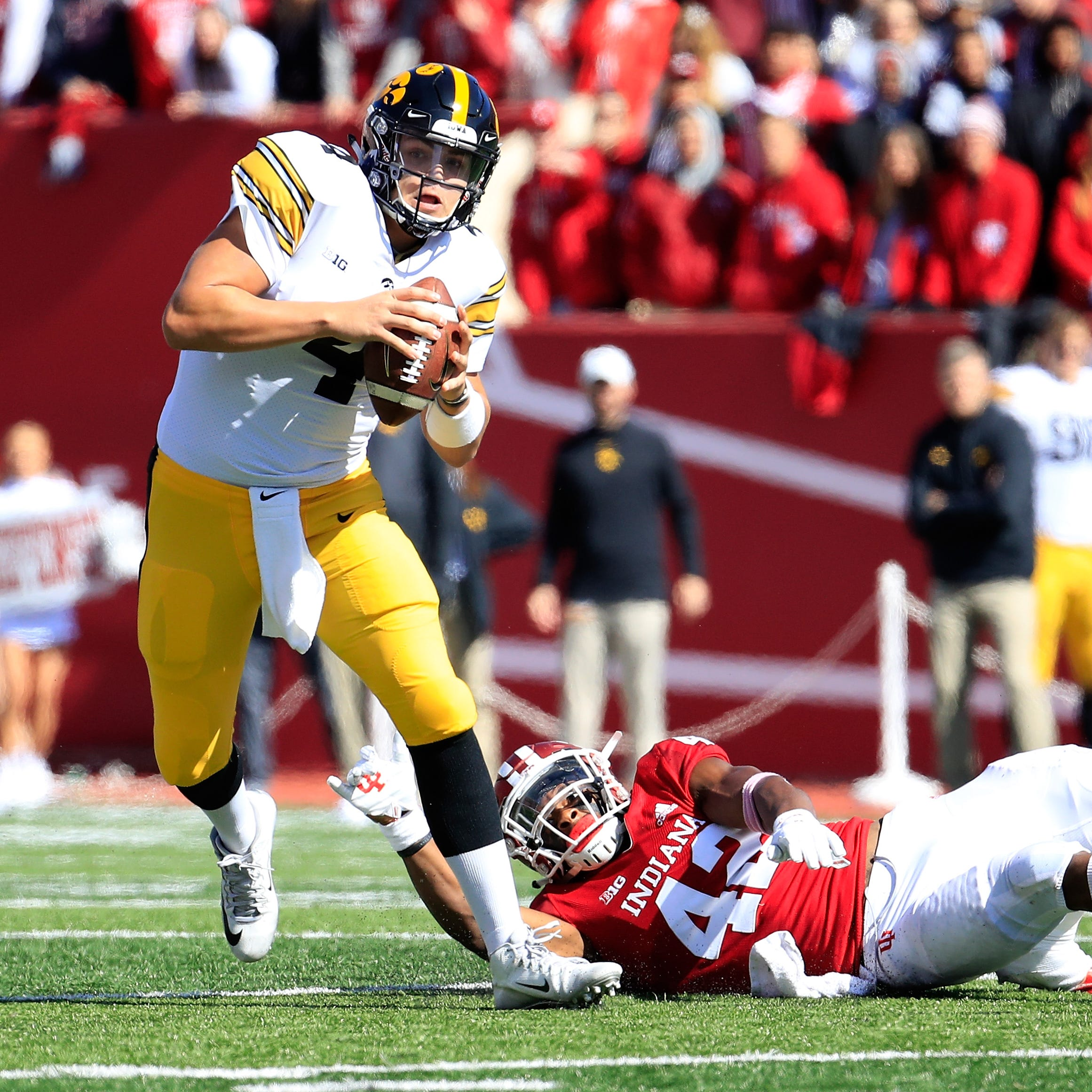 Iowa quarterback Nate Stanley collects Big Ten honors after a 6-TD game