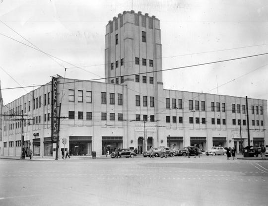 The Indianapolis downtown Sears store in 1950.