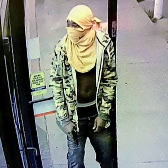 Armed men rob two gas stations in Jackson