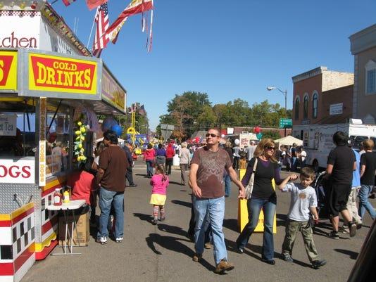 Hatchie Fall Fest Crowds