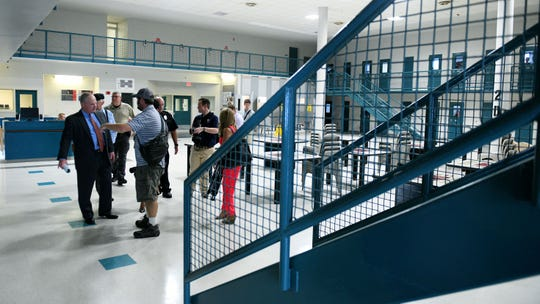 Inmates' lawsuit challenges video-only visitation at Knox jail