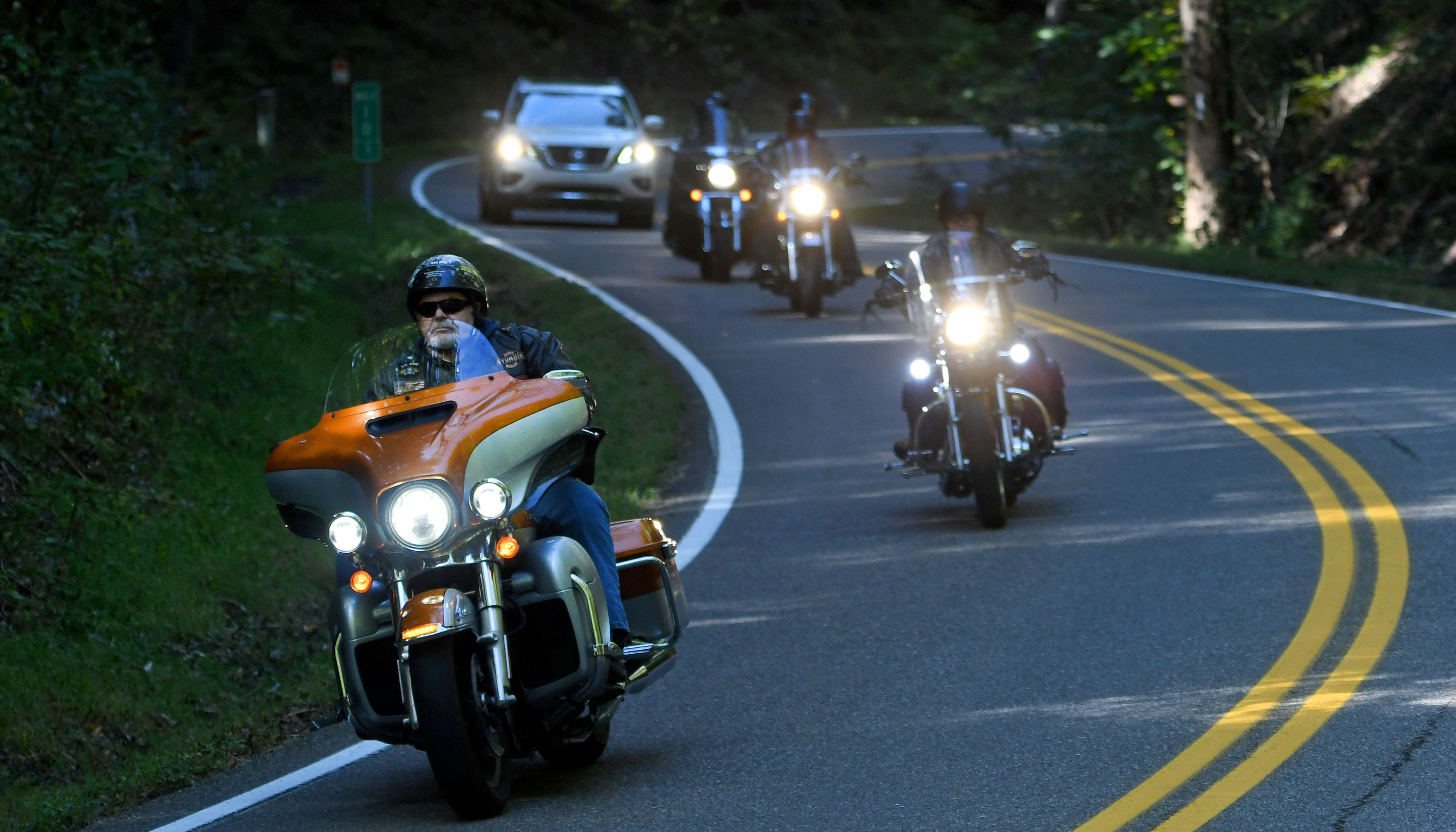 Motorcyclist injured in Memorial Day crash on 'The Dragon' on