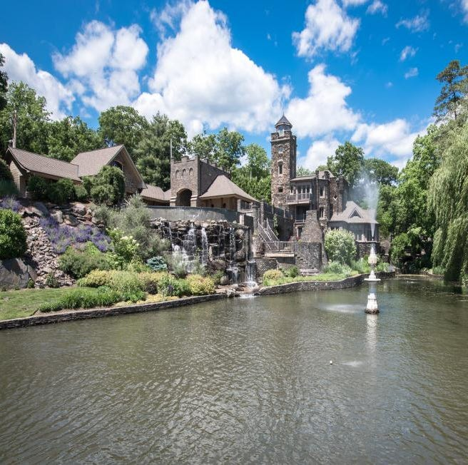 Got $15M? Derek Jeter is selling his castle