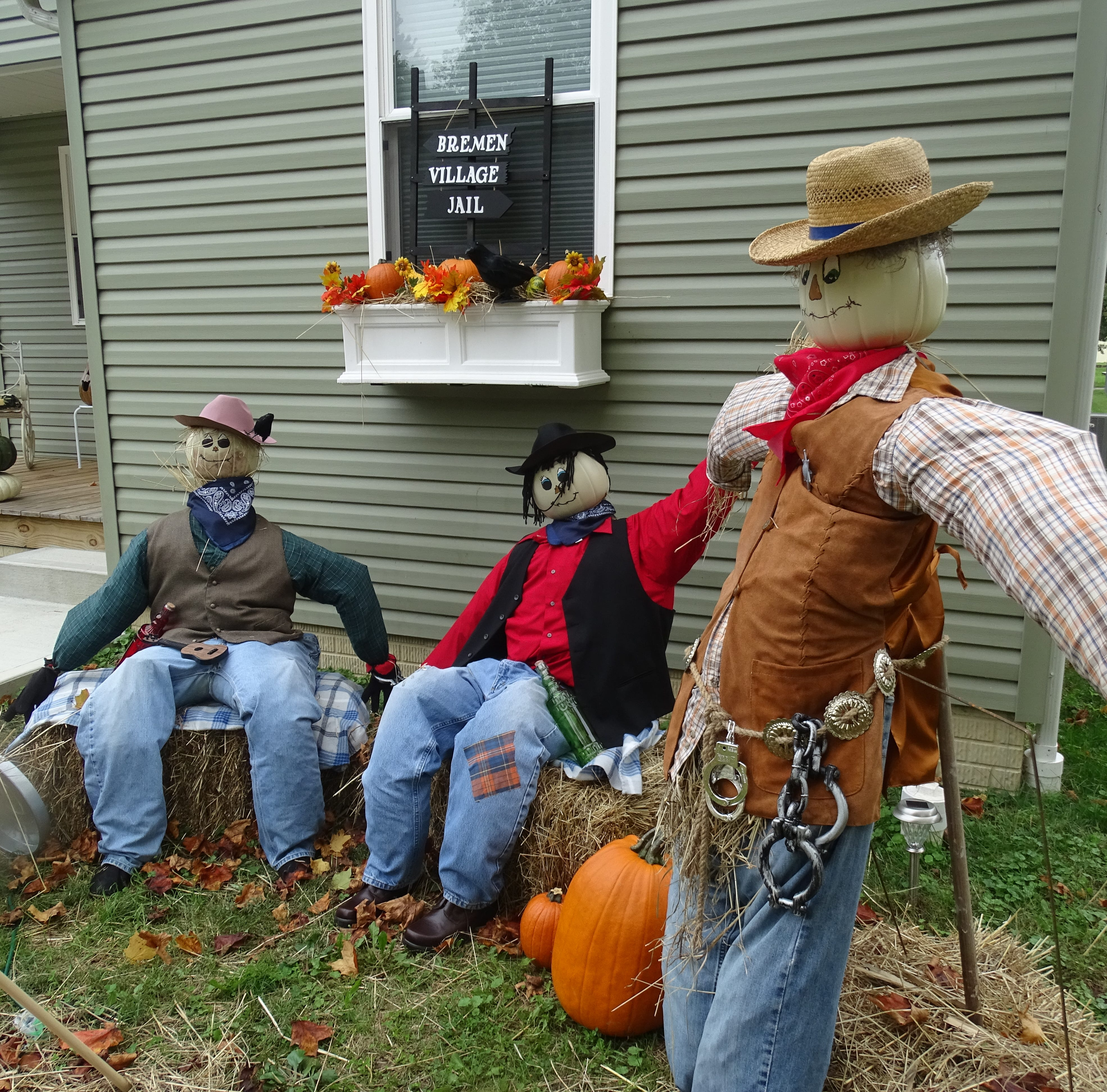 Hoping to draw others to see Bremen, local Chamber scares up new Halloween tradition