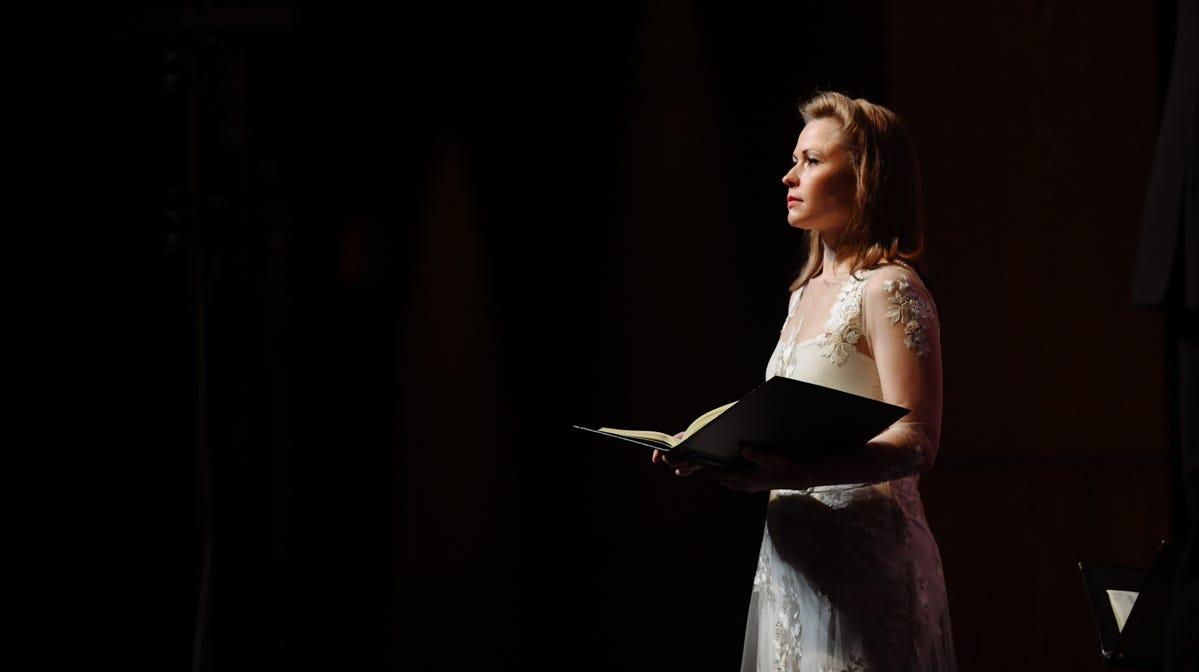Soprano Alisa Jordheim sings with Bel Canto...