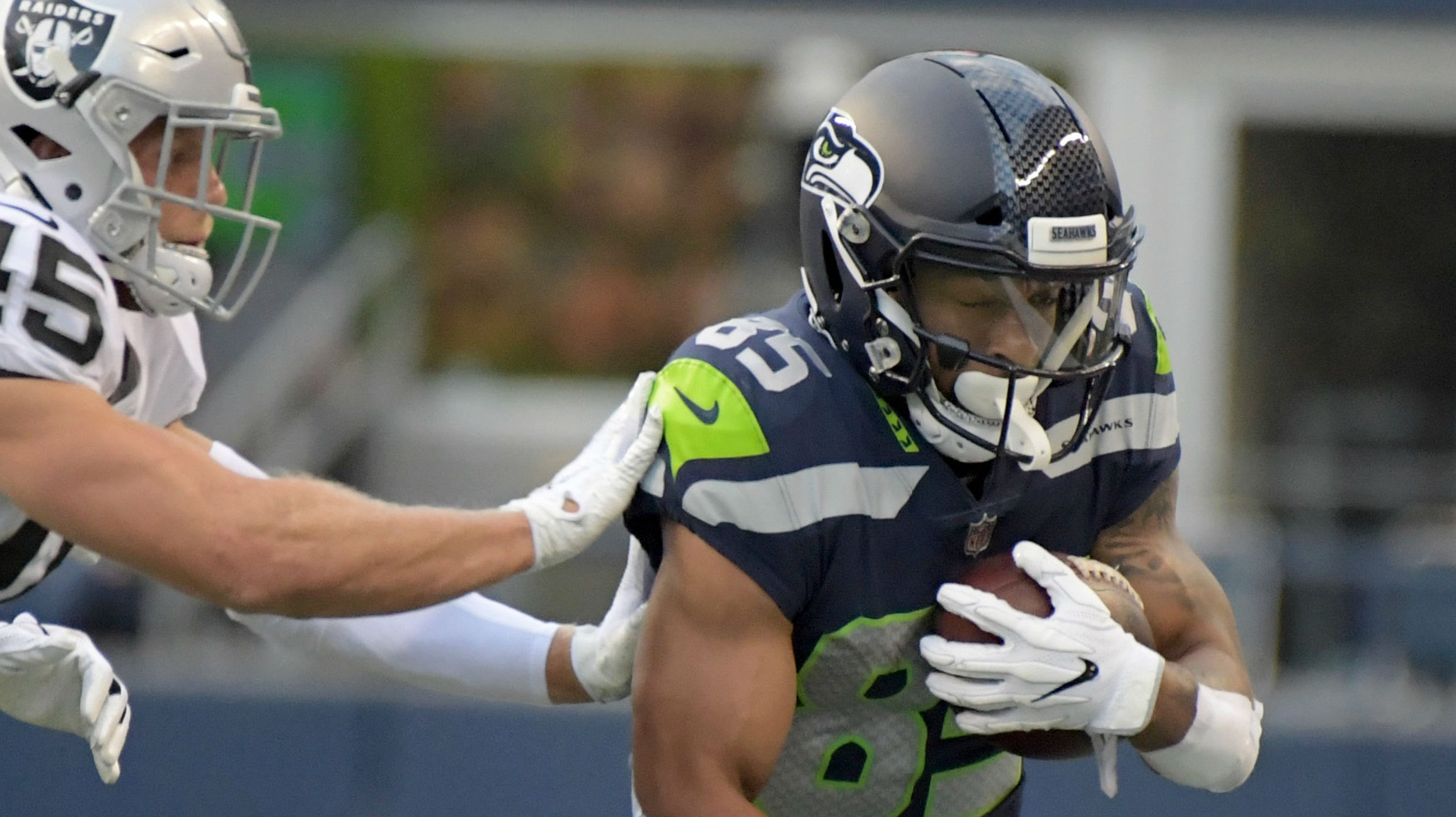 buy popular adf0f d25e5 Keenan Reynolds cut by Seattle Seahawks while in London