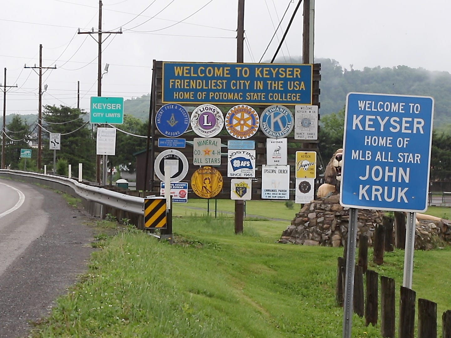 Keyser, a town of 5,500 in the northeastern corner of West Virginia, thrived until the 1990s. Now it appears to be in a downward spiral, as jobs have disappeared and the opioid crisis has turned many users into addicts.