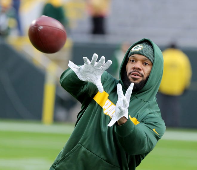 Green Bay Packers tight end Lance Kendricks warms up before the Monday night game against the San Francisco 49ers at Lambeau Field in Green Bay. He faces drug charges in connection to a September 2017 traffic stop.