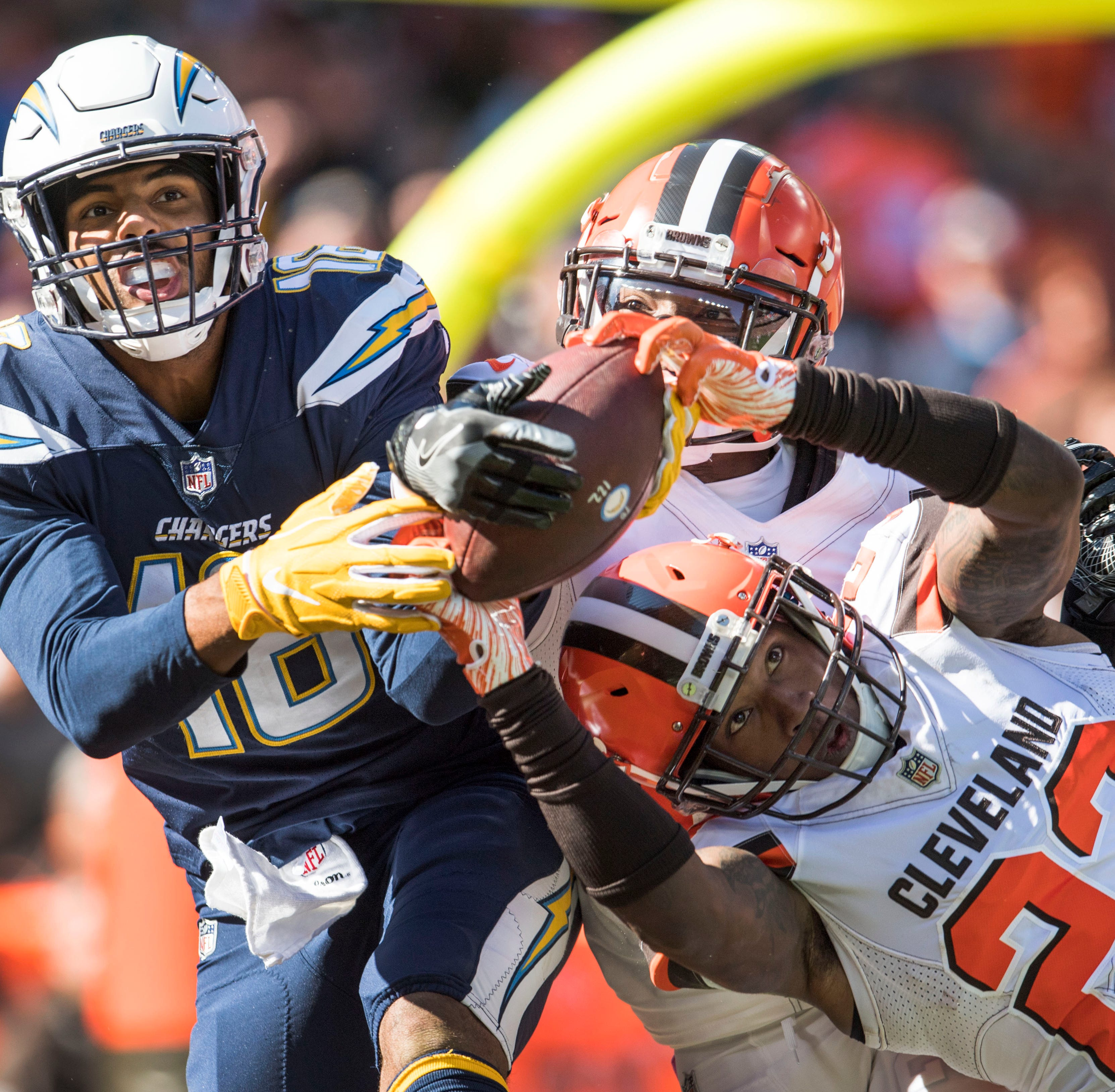 Cascade grad Tyrell Williams with spectacular quarter for Los Angeles Chargers