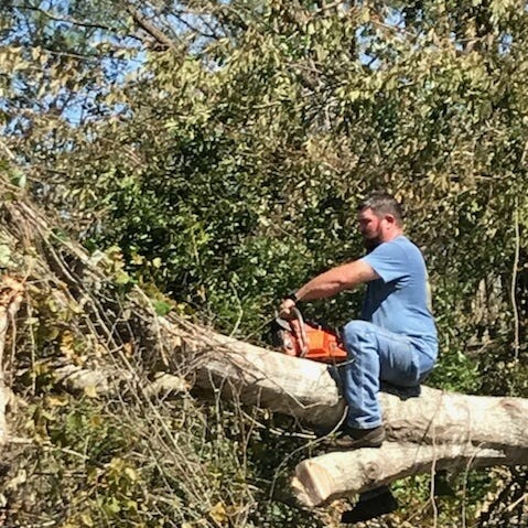 Former Florida State quarterback among those offering a helping hand after Hurricane Michael