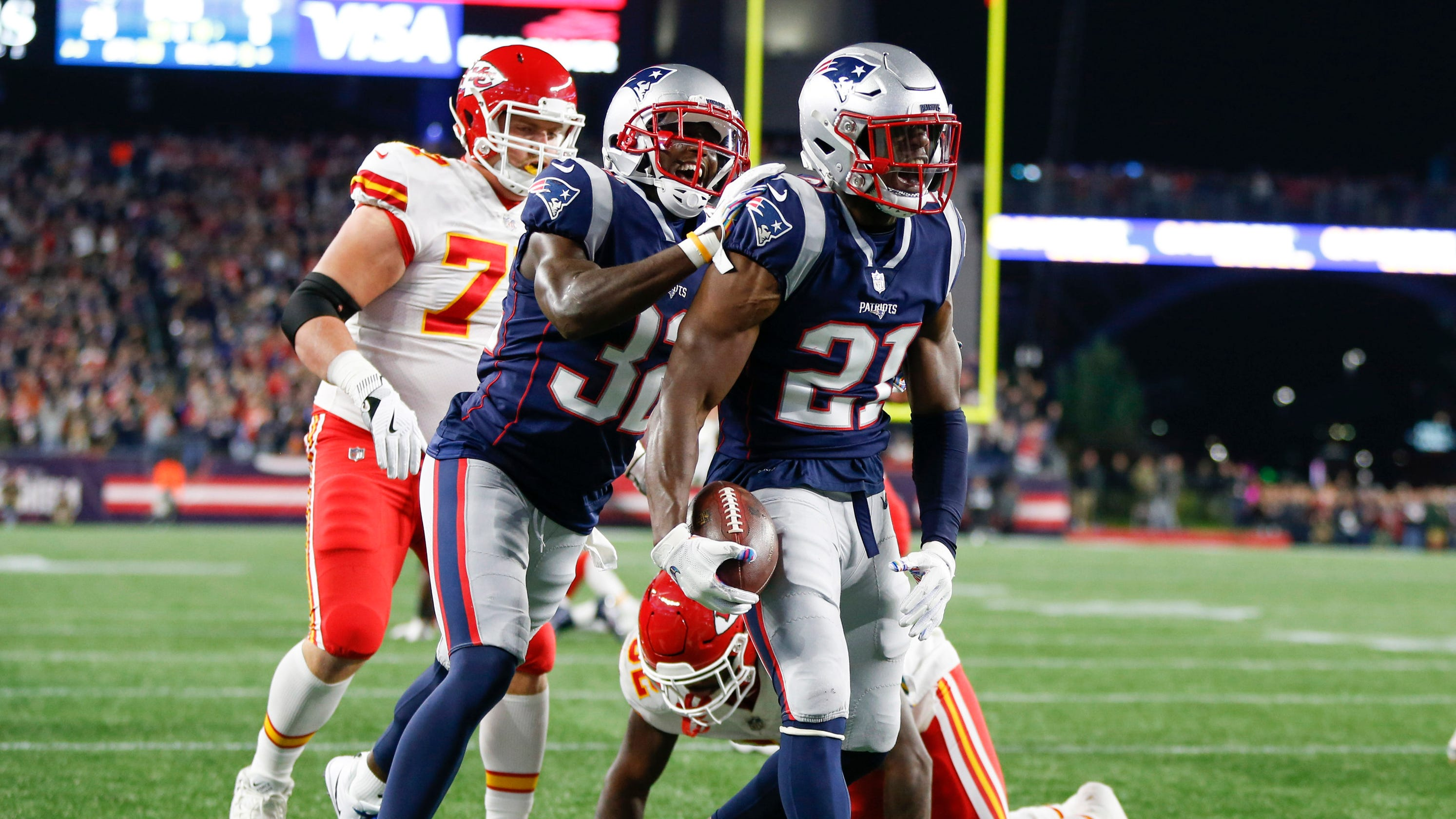 332779c6a88 Tom Brady, New England Patriots hand Kansas City Chiefs first loss in  instant classic