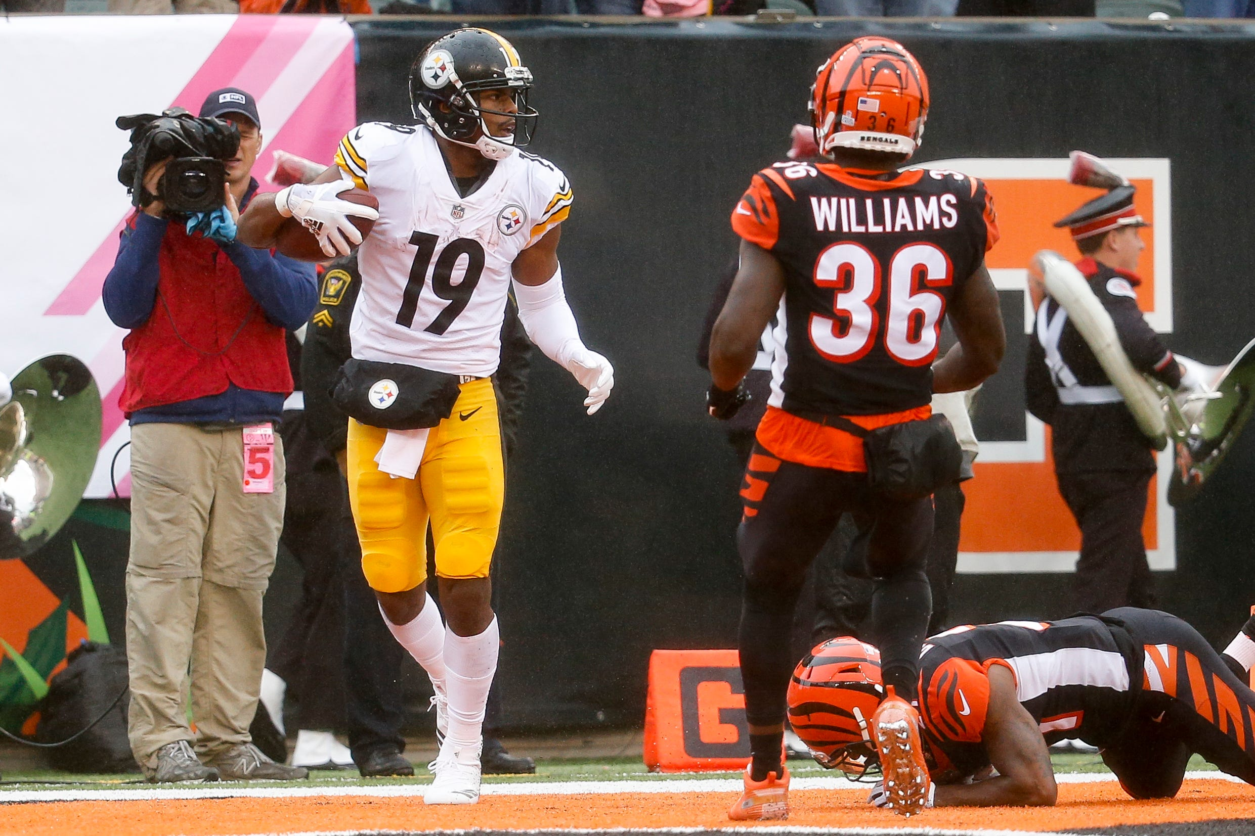 Steelers WR Juju Smith-Schuster says Bengals made 'major threats' at him