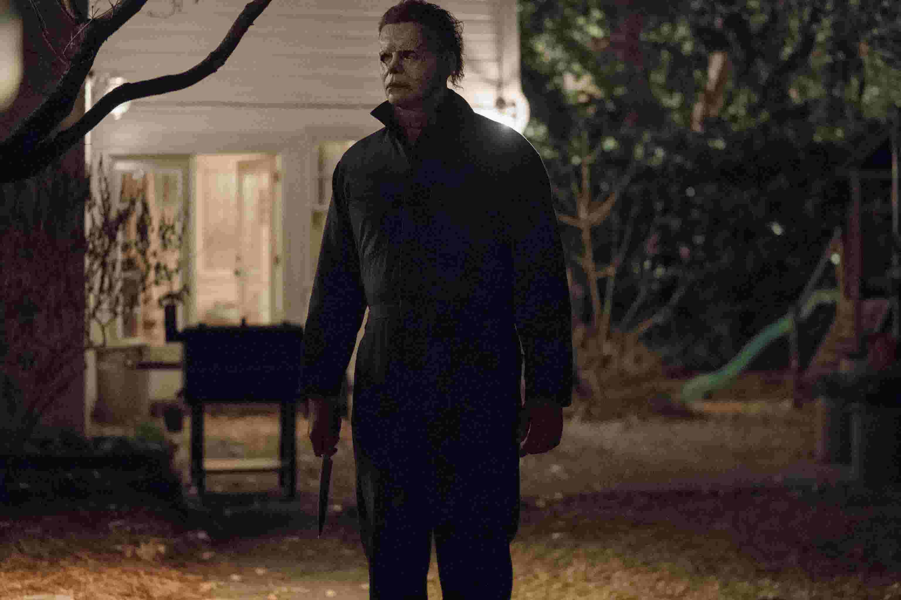 halloween': nick castle puts on the mask once more as michael myers
