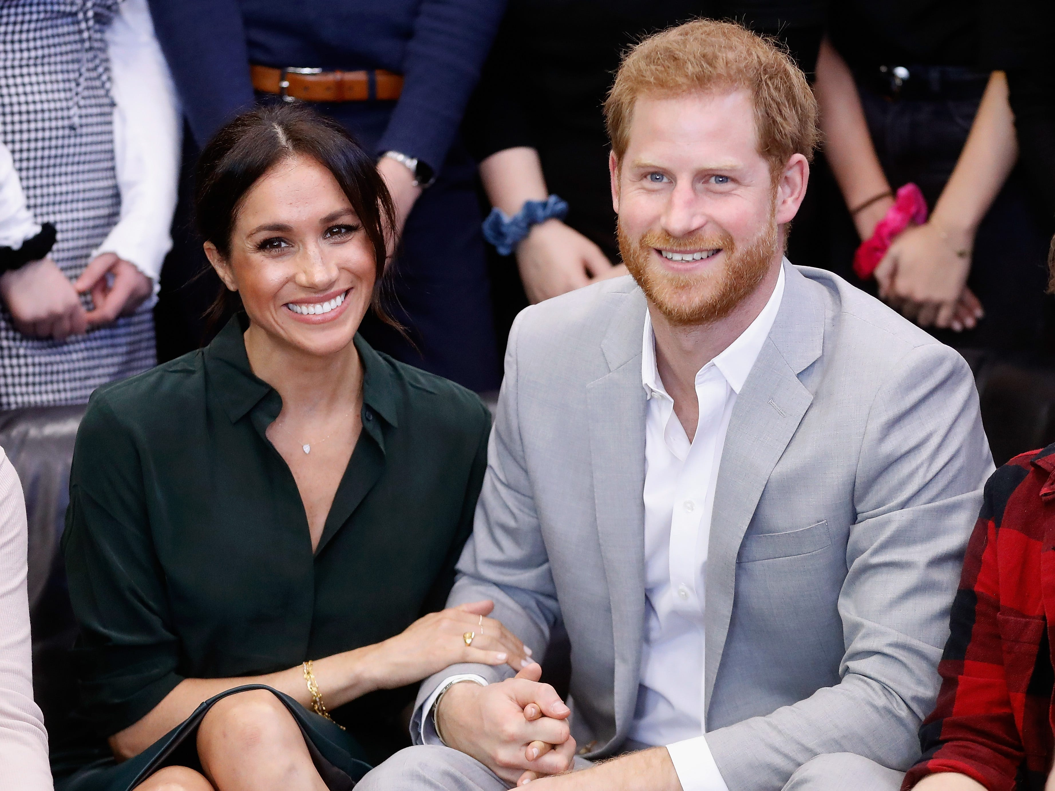 'Best news ever!': Twitter reacts to Harry and Meghan's pregnancy