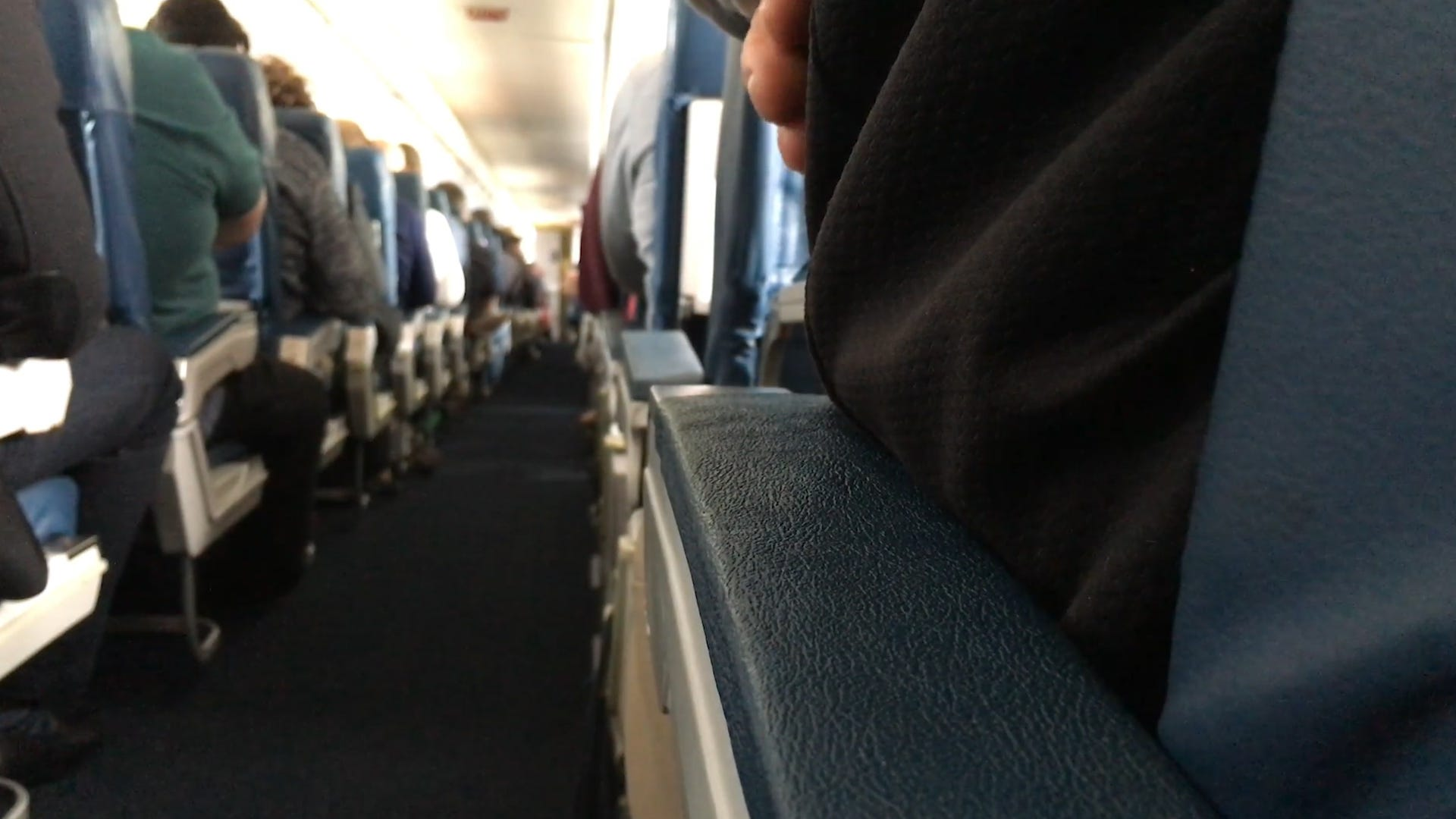 Overweight passengers a challenge for seatmates and airlines
