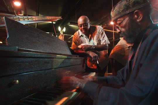 Mel Hood and pianist Abdul in 2003.