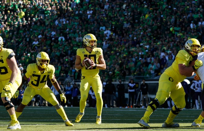 Quarterback Justin Herbert and the Oregon Ducks appear to have the easiest path to the Pac-12 championship among four North Division contenders.