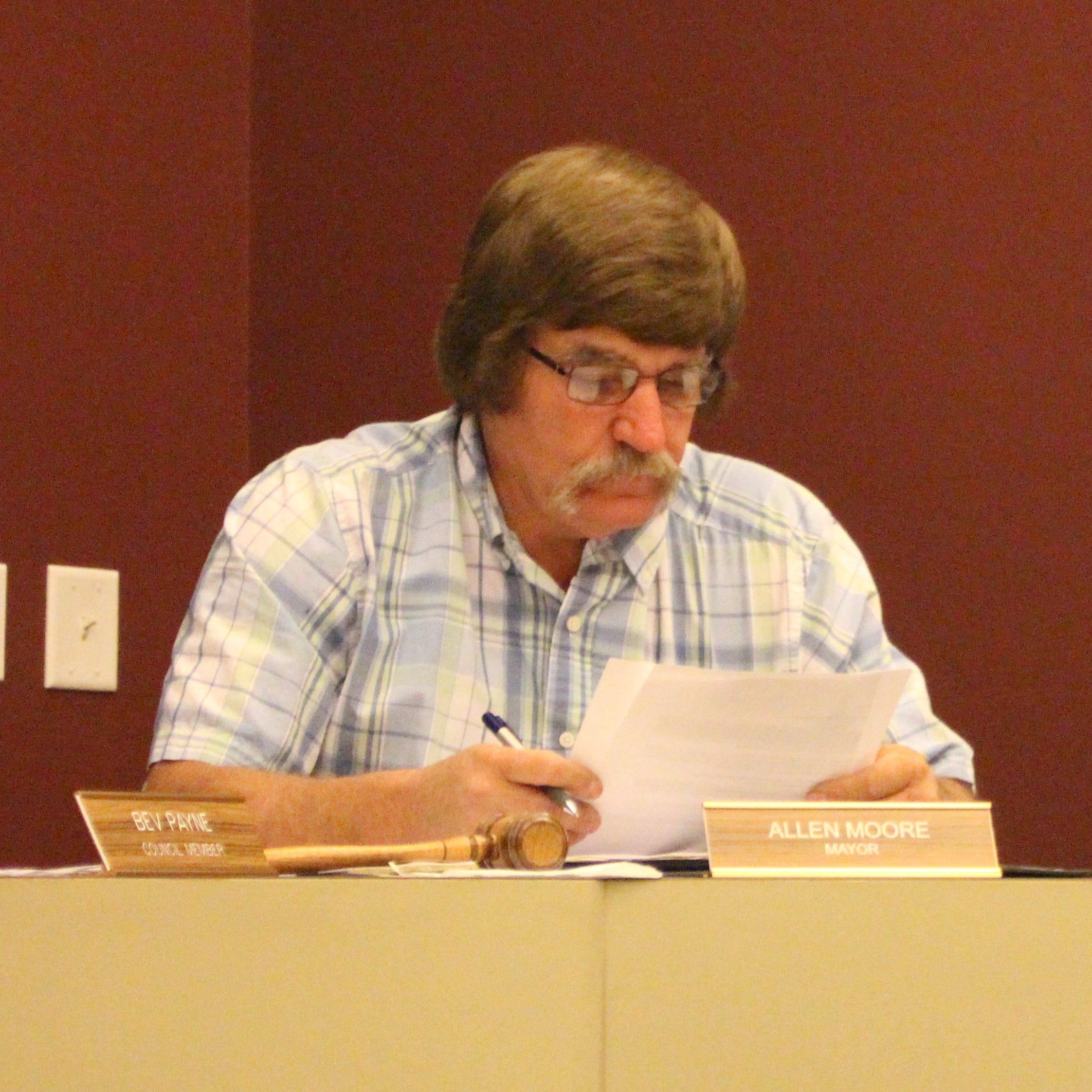 Crestline Mayor Allen Moore said he plans to resign at end of week over racial slur video
