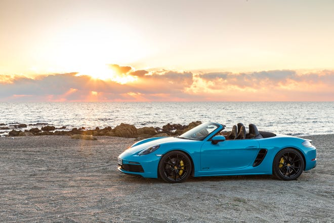 2018 Porsche 718 Boxster is exciting, if pricey, companion for open-air driving.