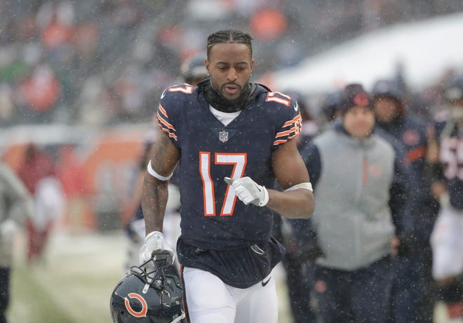Chicago Bears wide receiver Dontrelle Inman (17) runs off the field against the Cleveland Browns during an NFL football game in Chicago, Sunday, Dec. 24, 2017. (AP Photo/Nam Y. Huh)