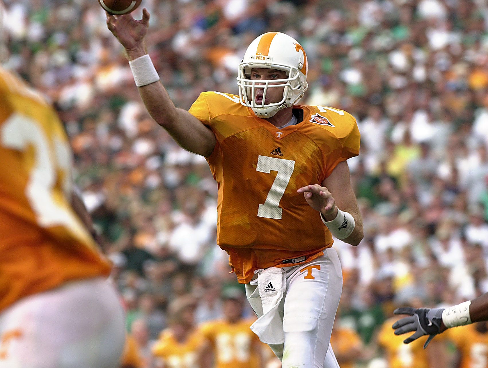 Tennessee quarterback (7) Casey Clausen release a pass during action Saturday in Neyland Stadium.  Tennessee beat Marshall 34-24.     9/6/2003