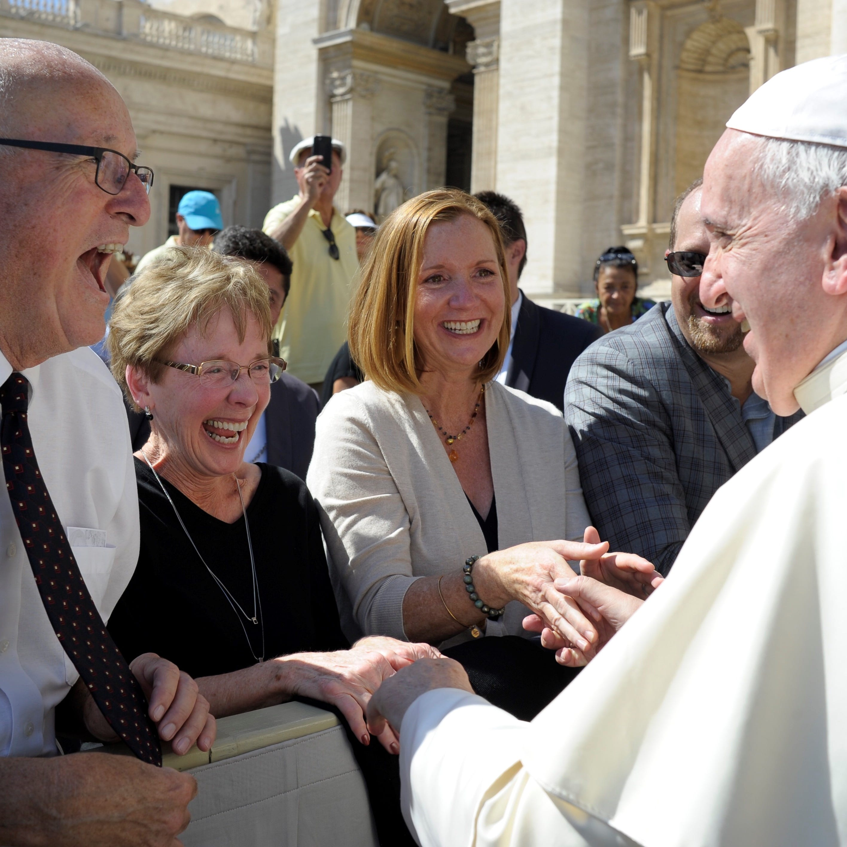 Howell man lends hand, and special tie, to perspiring Pope Francis