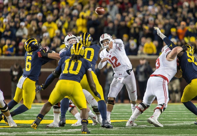 Wisconsin quarterback Alex Hornibrook completed just 2 of 7 passes on third downs against Michigan.