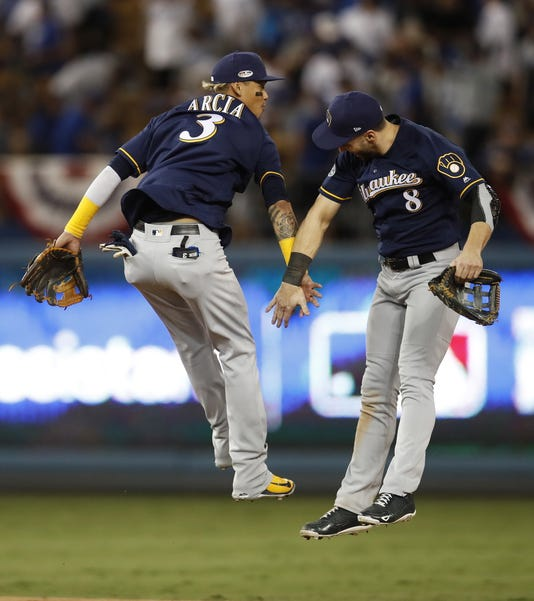 Milwaukee Brewers At Los Angeles Dodgers