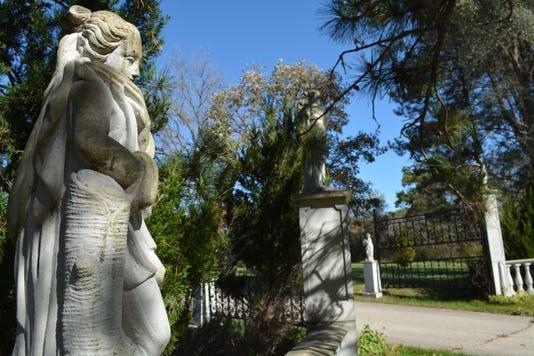 Greenwald Gardens Entryway