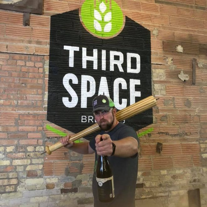 Kevin Wright, co-founder and brewmaster at Third Space Brewing, has challenged his former brewery, Hangar 24 in Redlands, Calif., to a friendly wager about the NLCS.