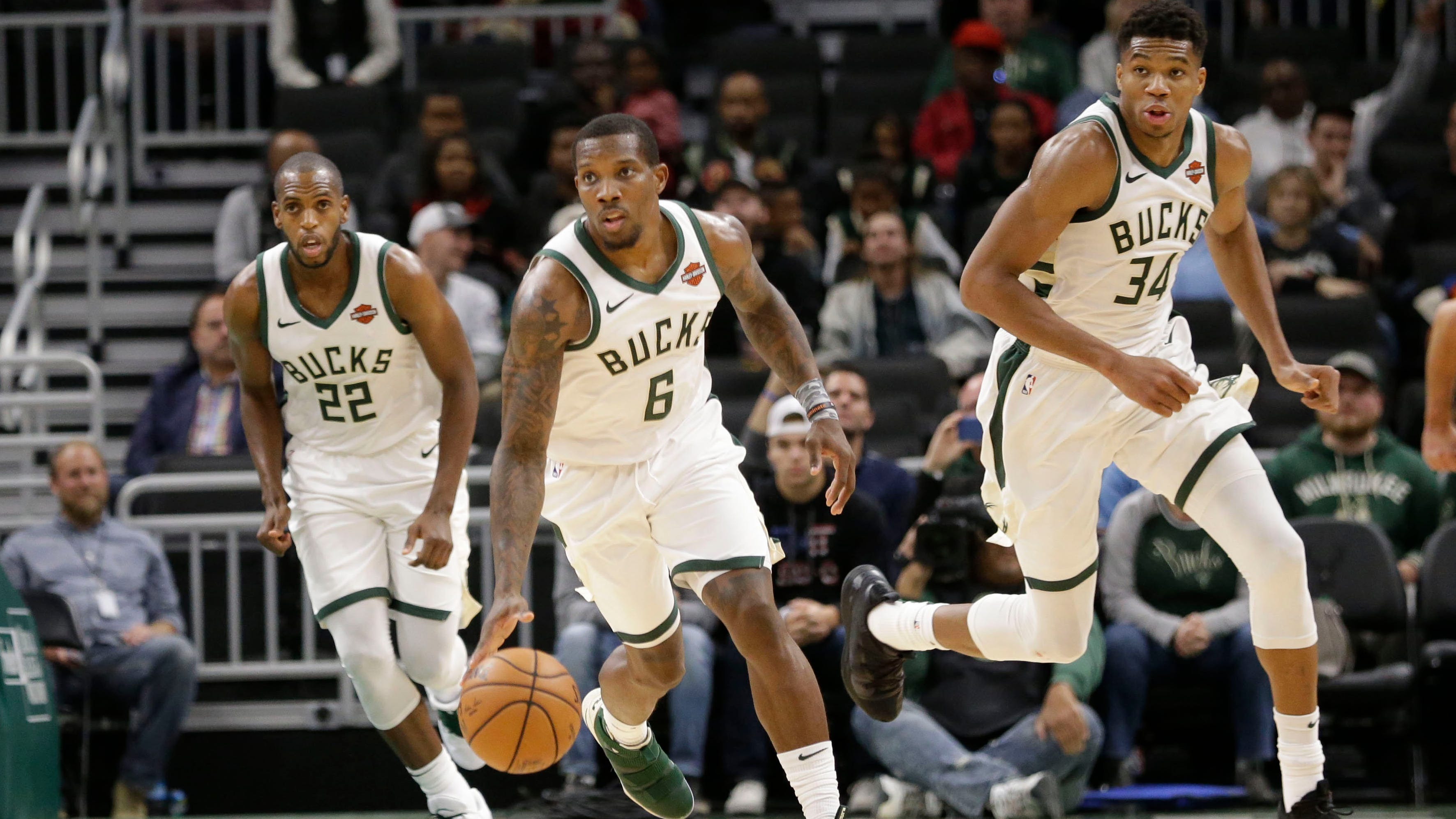 Eb52d443-0139-40ab-87cd-abe922f4f607-ap_timberwolves_bucks_basketball.1